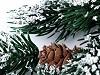 Umelá borovica so šiškami s inoväťou zimná menšia