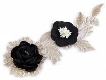 Aplicație brodată cu flori 3D