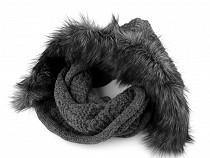Pletený nákrčník s kapucí a kožešinou