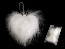 Svadobné pierkové srdce s perlami