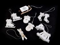 Dekoracje świąteczne - sanki, narty, łyżwy, rękawiczki, czapki itd.