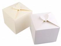 Pudełko papierowe z sercem