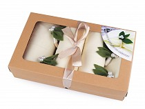 Set of napkins and rings with leaves
