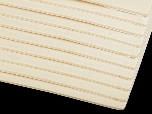 Samolepicí pěnová guma Moosgummi 20x30 cm