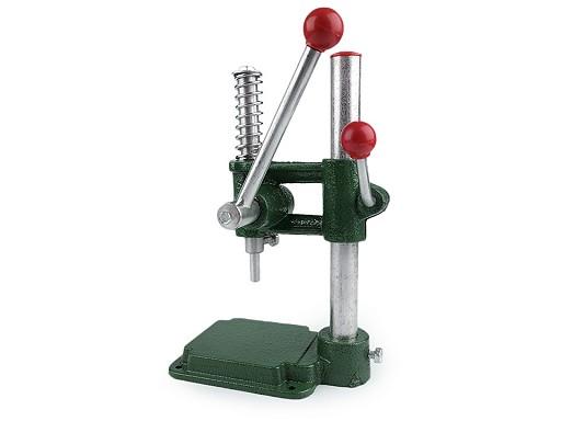 Gombbehúzó gép forgókaros 2. osztály