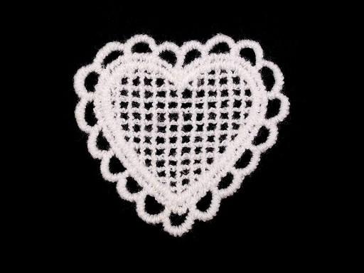 Textilná aplikácia / nášivka čipkované srdiečko