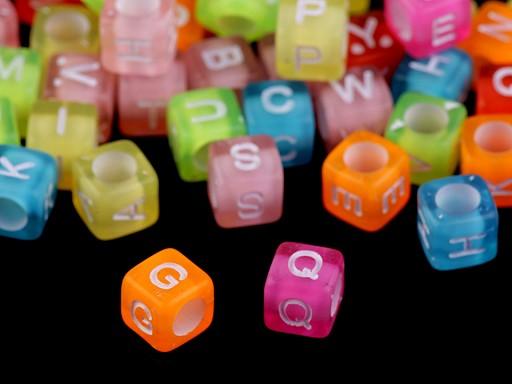 Plastové korálky s písmenami a číslami kocka 6 mm
