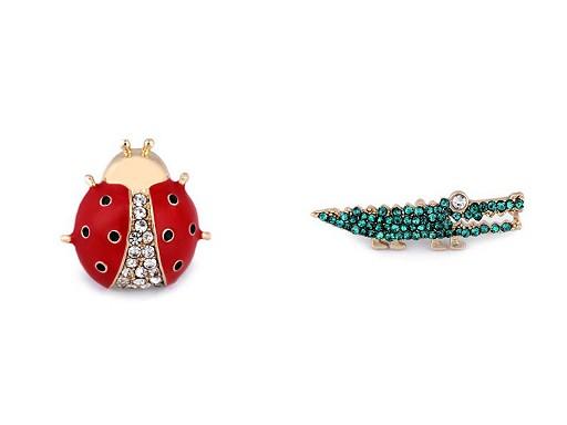 Brož / odznak s broušenými kamínky beruška, krokodýl, holčička