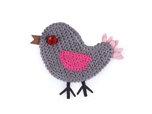 Háčkovaná textilní aplikace / nášivka ptáček