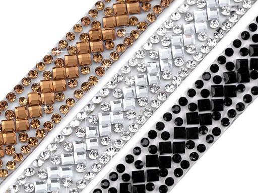 Prýmek s broušenými skleněnými kamínky šíře 14 mm nažehlovací