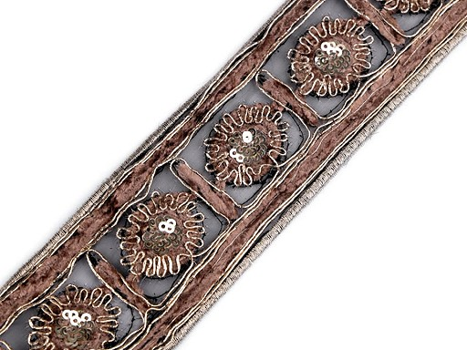 Vyšívaný prýmek s flitry a žinylkou šíře 50 mm