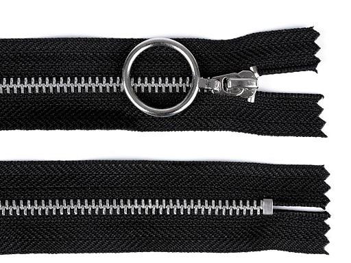 Kovový zip šíře 4 mm délka 20 cm se stříbrnými zoubky