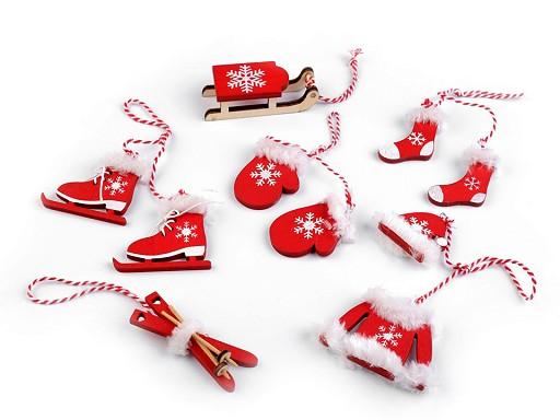 Vánoční dekorace - sáňky, lyže, brusle, rukavice, čepice, bunda, ponožky