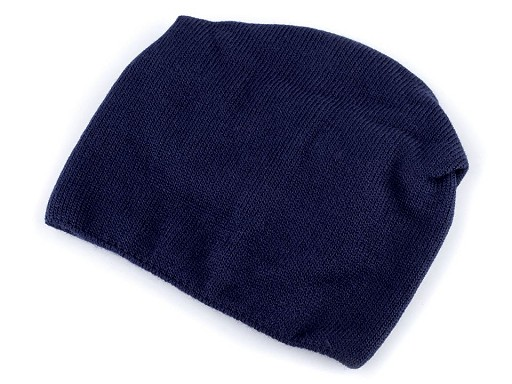Pletená svěšená čepice