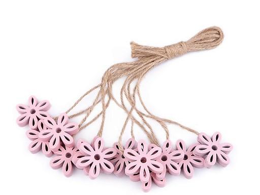 Dřevěný květ s provázkem