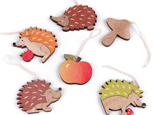 Decorațiuni din lemn - arici, măr, ciupercă