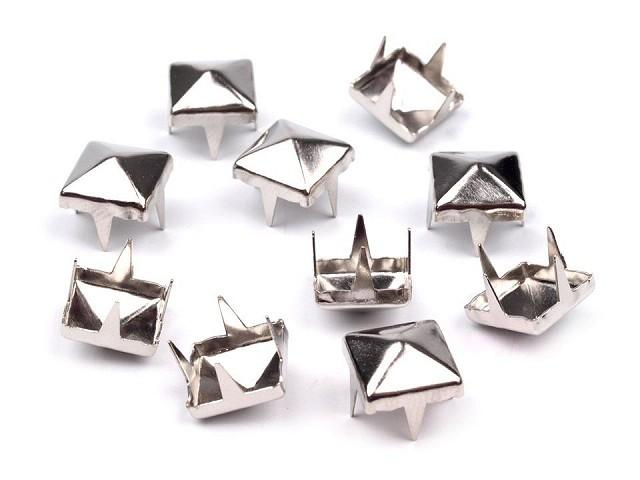 Cvočky na oblečenie 7x7mm pyramida