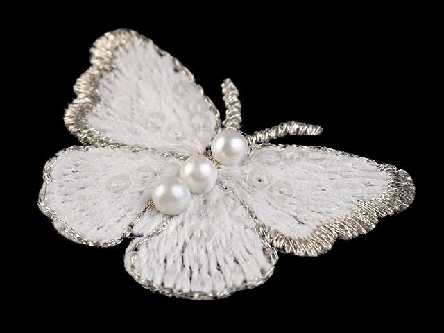 Textilná aplikácia / nášivka motýľ s perlami vyšívaný malý