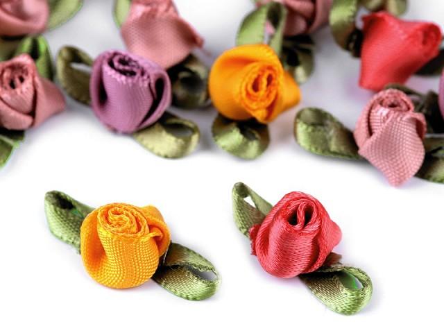 Saténová ruža / púčik s lístkami