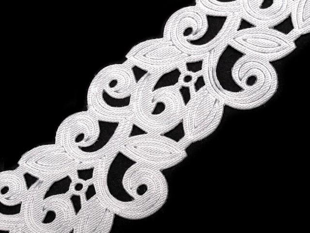 Saténový prýmek šíře 22 mm vysekávaný vzor