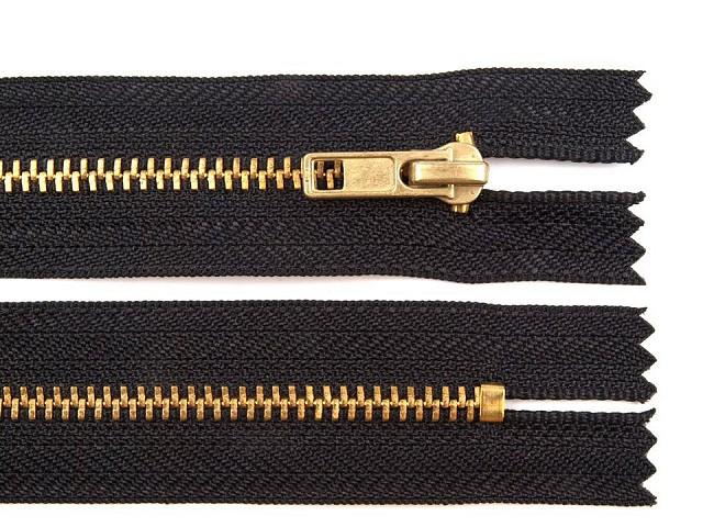 Kovový / mosazný zip šíře 4 mm délka 14 cm kalhotový