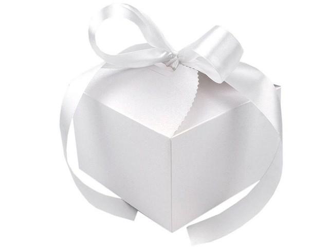 Geschenksbox Papier mit Schleife für Hochzeit