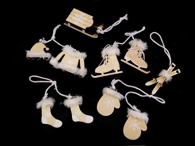 Vianočné dekorácie - sane, lyže, korčule, rukavice, čiapky, bundy, ponožky