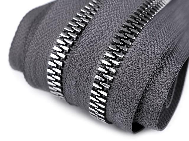 Zip kostěný se stříbrnými zoubky šíře 8 mm metráž