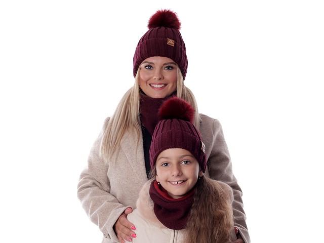 Dámská / dívčí zimní sada čepice s bambulí a nákrčník